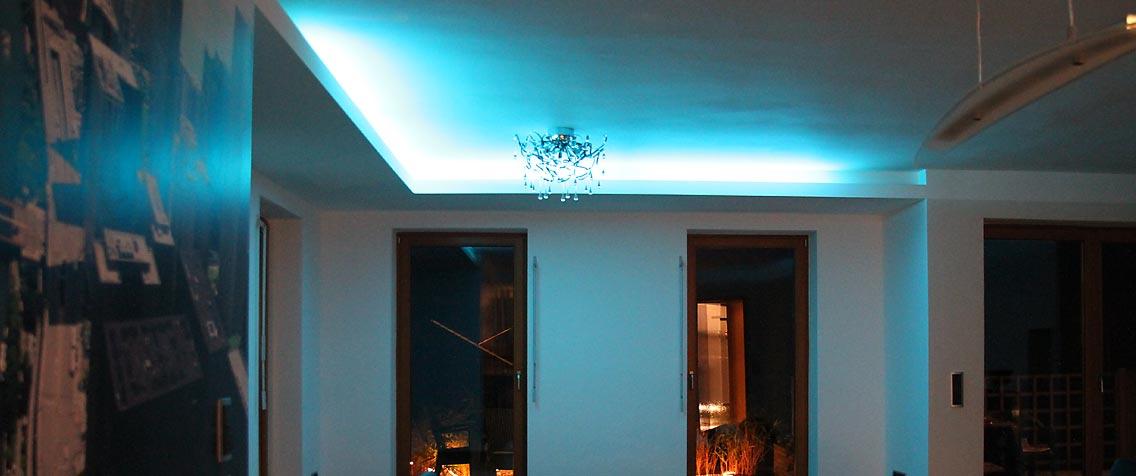 Deckenarbeit mit indirektem Licht