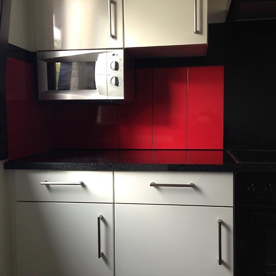 Küche rot schwarz weiß